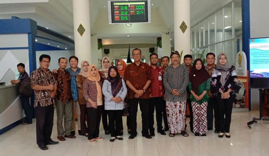 Study Komparasi Penataan Arsip Dinas Penanaman Modal dan Pelayanan Terpadu Satu Pintu Kabupaten Karanganyar ke Dinas Penanaman Modal dan Perizinan Kota Yogyakarta